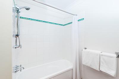 1-bedroom-400px-6