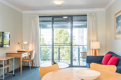 1-bedroom-400px-8