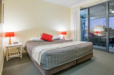 deluxe-2-bedroom-400px-3