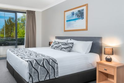 1 Bedroom King Coil King Bed Apartment