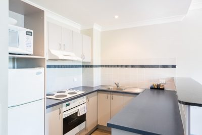 The Brighton Toronto - Lake Macquarie - 1 Bedroom Apartment Kitchen