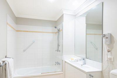 The Brighton 1 & 2 Bedroom Apartment Bathroom with Bath