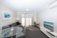 The Brighton 1 Bed Apartment Lake View